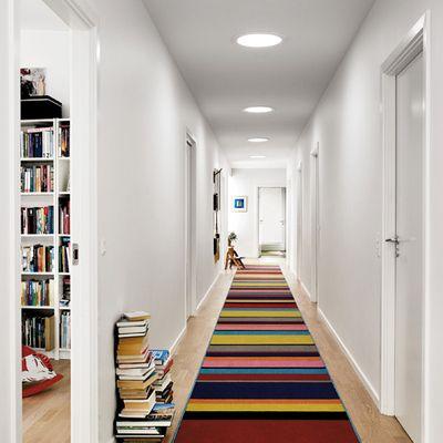 Pasillo largo y alfombra multicolor descubre ideas - Decoracion pasillos largos ...