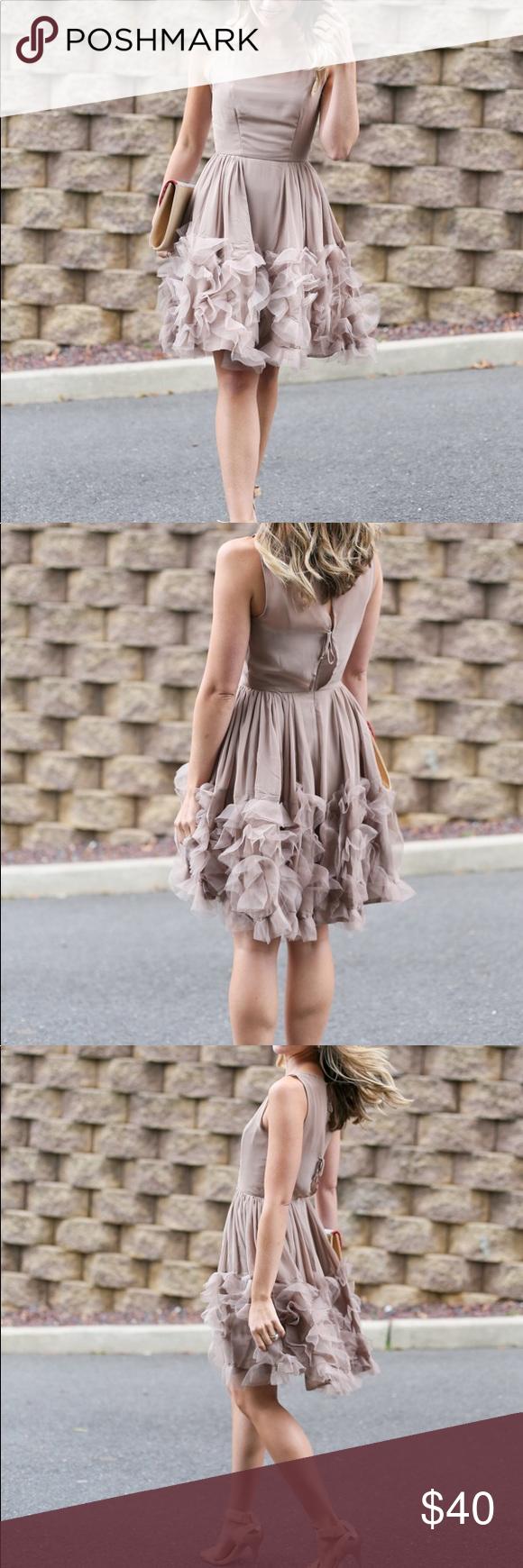 *CYBER WEEK* LC Lauren Conrad Ruffle Dress - Sz 8