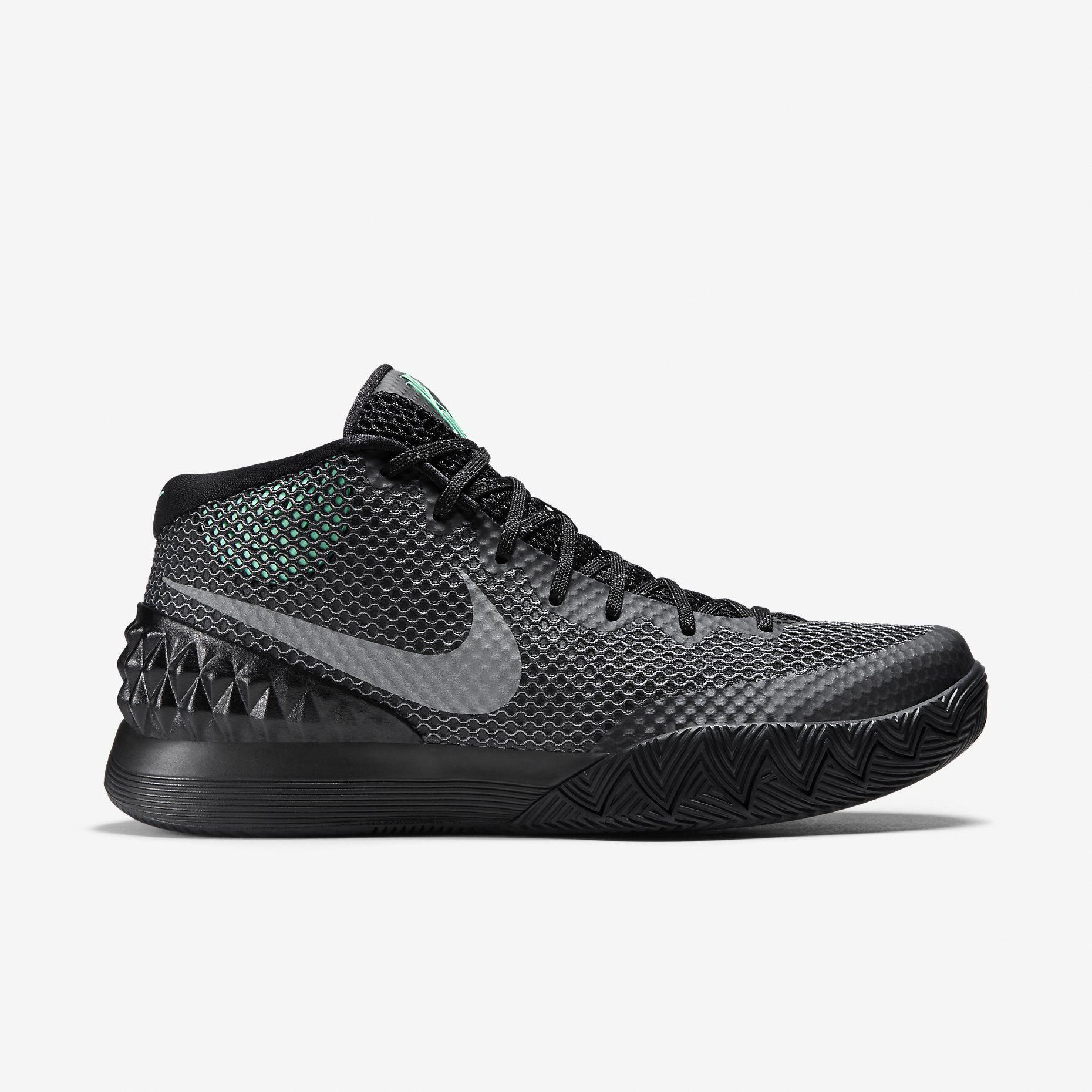 Kyrie 1 Men s Basketball Shoe. Nike Store UK  basketballequipment ... f92fd492a