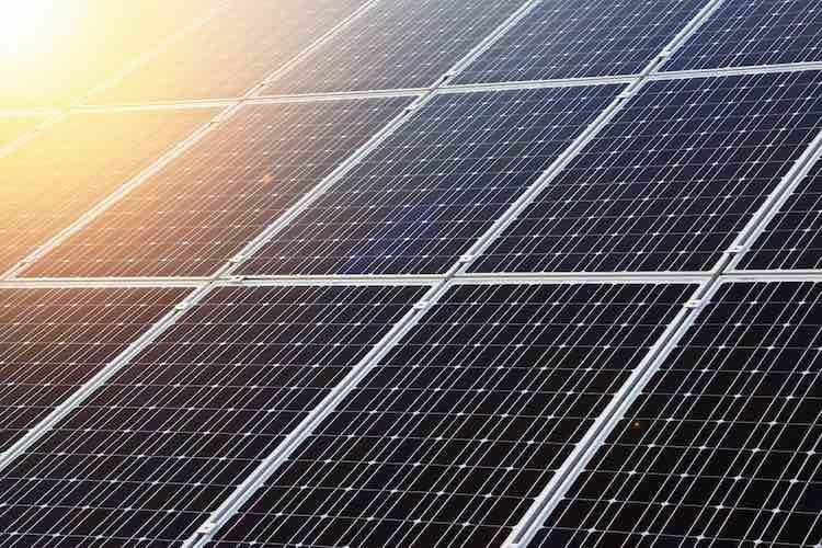 Solar Power Breaks Even More Records In 2017 Solar Panels Solar Energy Panels Best Solar Panels
