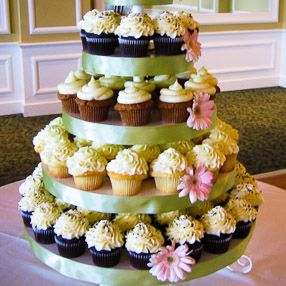 Wedding Cupcake Display - White Buttercream with Pink Flowers ...