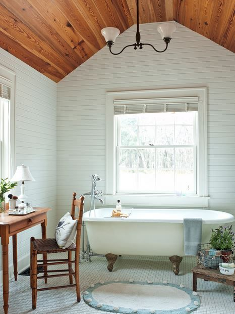 Classic Cottage Claw Foot Tub White Mosaic Floor Tile White