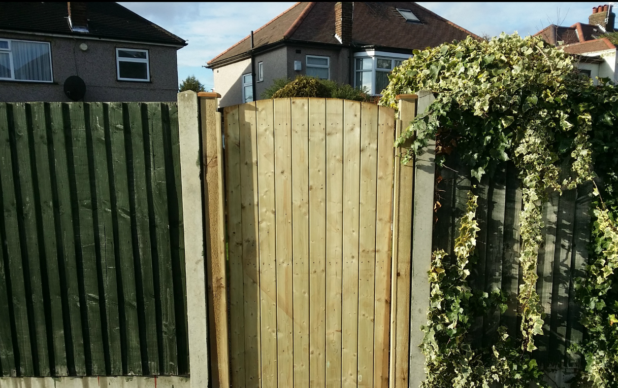Fence repair http://www.jkservice.co.uk/service | Services ...