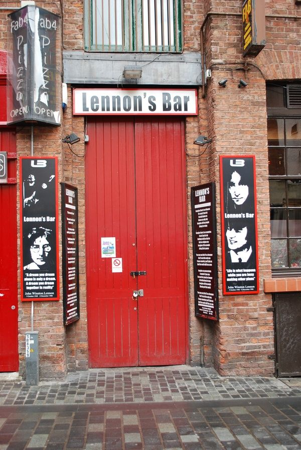 Fantastic bar, call in every time I go to Liverpool!
