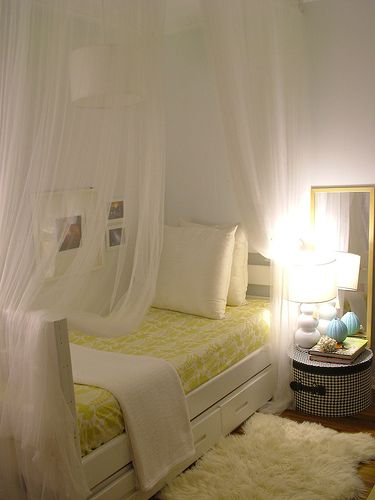 Sheer Gauzy Curtains From The Ceiling Around The Bed From Jet Guer Small Bedroom Ideas For Couples Small Bedroom Decor Small Space Bedroom