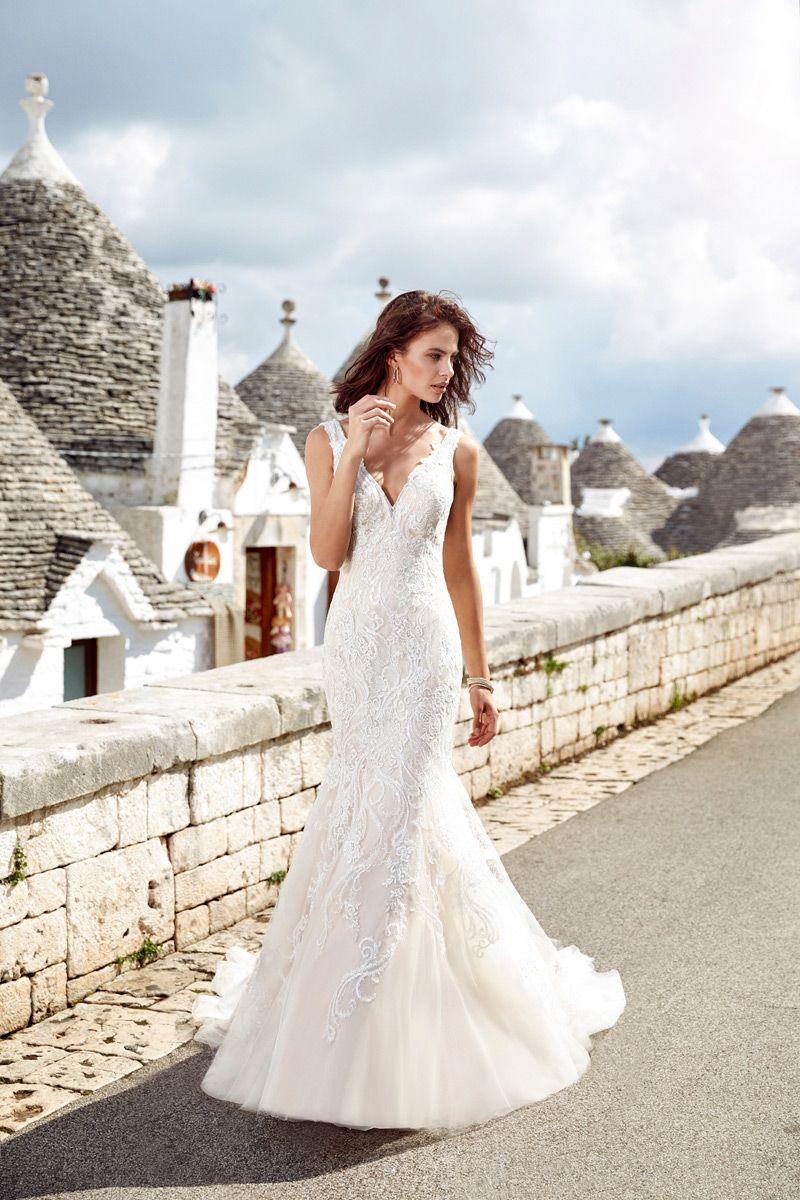 Schmal geschnittenes, wundervolles Brautkleid von Eddy K ...