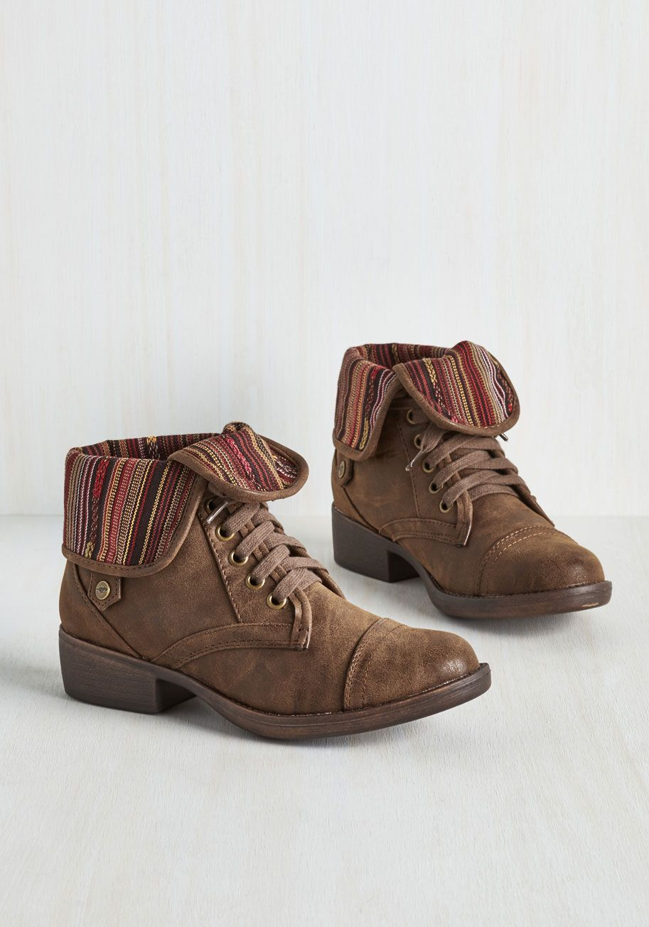 The Fold and the Beautiful Boot. Take the drama out of choosing fab footwear by making these Rocket Dog boots your first in command! #brown #modcloth