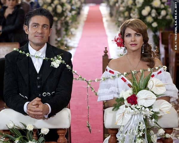Boda de Lucero y Colunga en la telenovela la Dueña   Fotos de lucero,  Hermosas celebridades, Celebridades