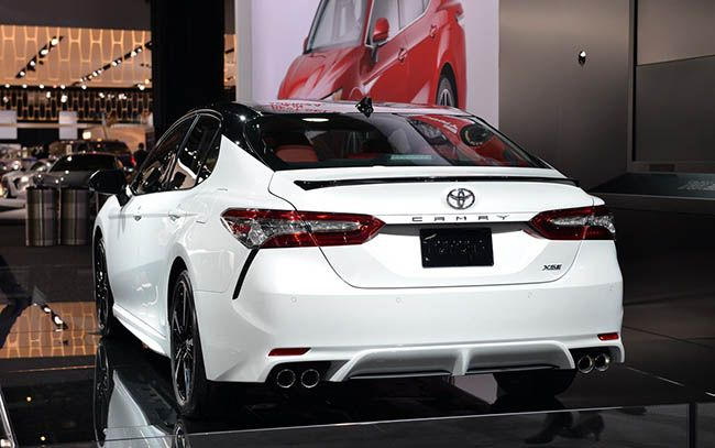 2018 toyota camry white. beautiful toyota 2018 toyota camry le  httptoyotacamryusacom2017032018toyotacamryle   us pinterest camry and cars throughout toyota camry white