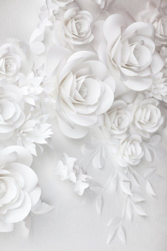 White Wedding Paper Flowers - Paper Flowers- Paper Flowers Wall Decor - Paper Flowers Wall #paperflowerswedding