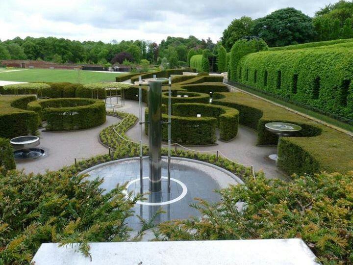 Alnwick Castle S Garden Jardins Gilles Clement