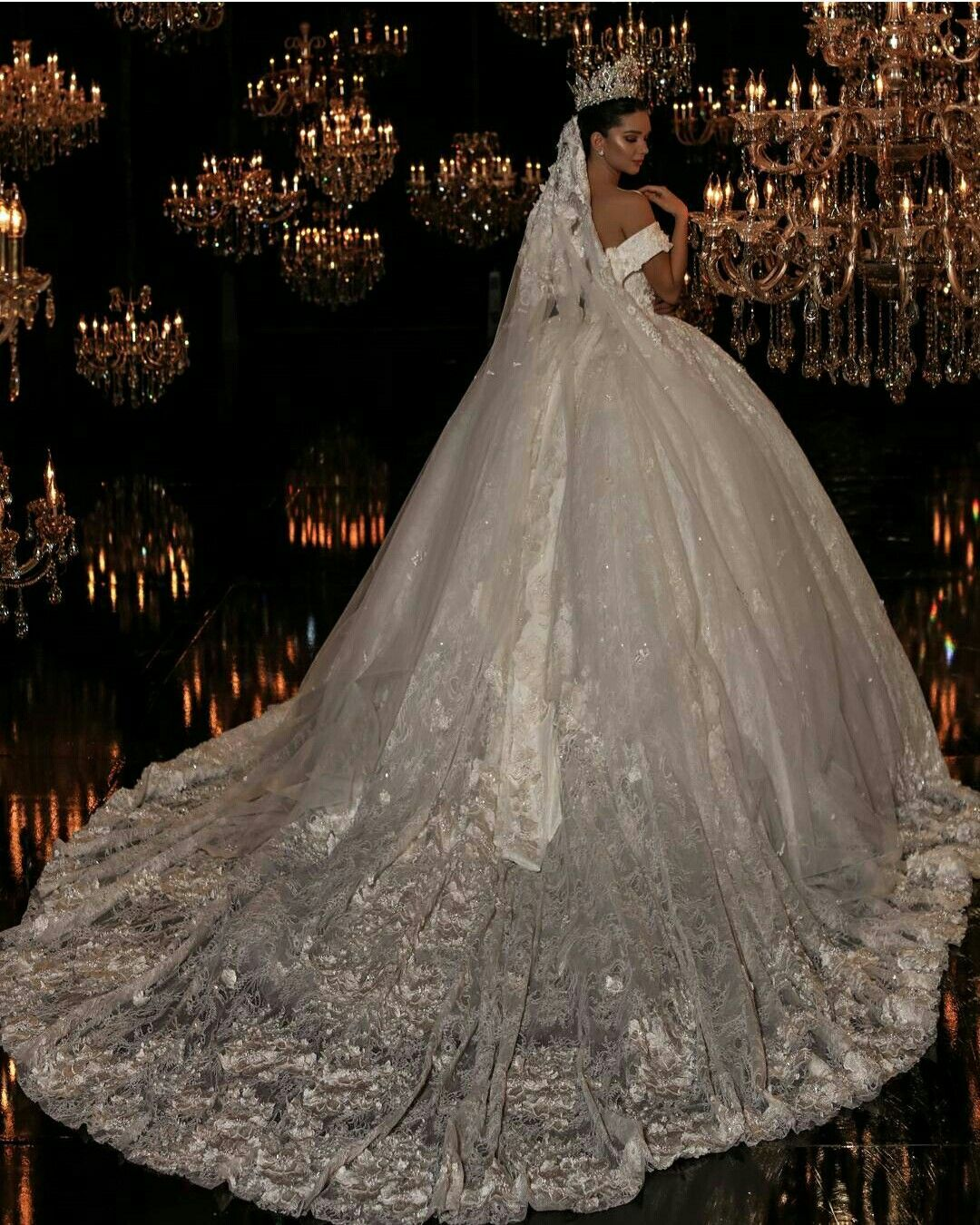 Pnina Tornai 2019 Wedding Dresses: Pin By Elvira Cornell On Stunning Brides In 2019