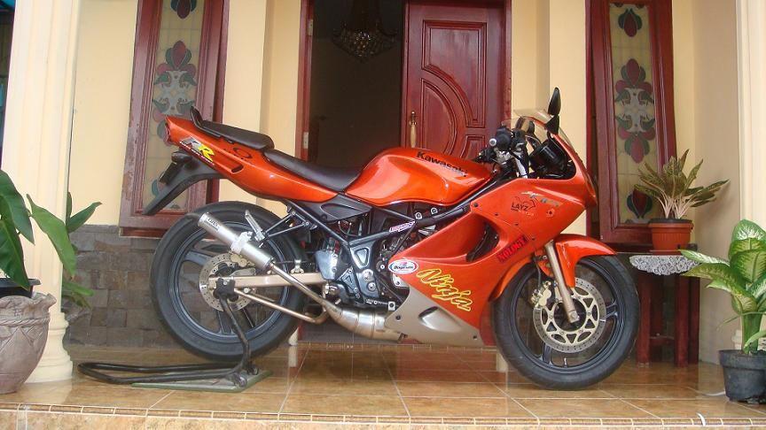 terbaru modifikasi motor ninja r warna hitam