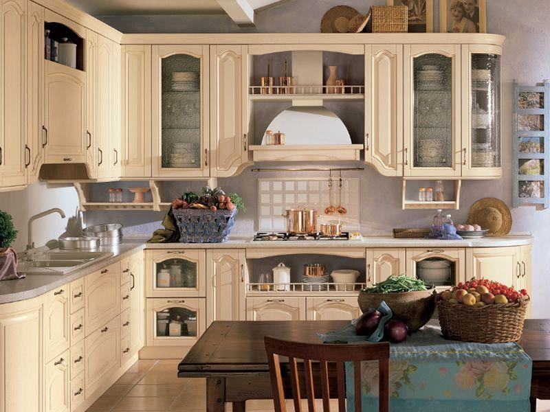 Cucine Classiche Ad Angolo Chiare. Trendy Cucina Compatta E ...