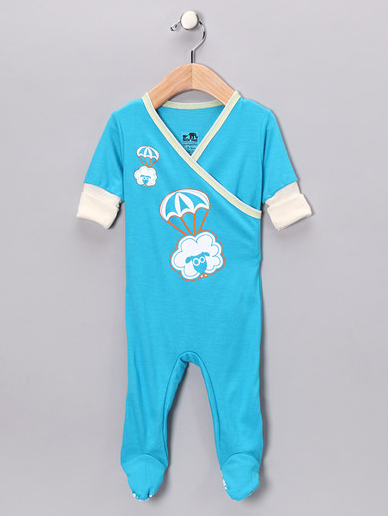 No snaps, zippers, buttons or velcro to irritate your munchkin. Just cozy softness.