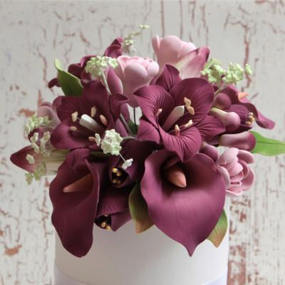 Pin By Caljavaonline Com On Gumpaste Calla Lily Sugar Flowers Cake Sugar Flowers Sugar Paste Flowers