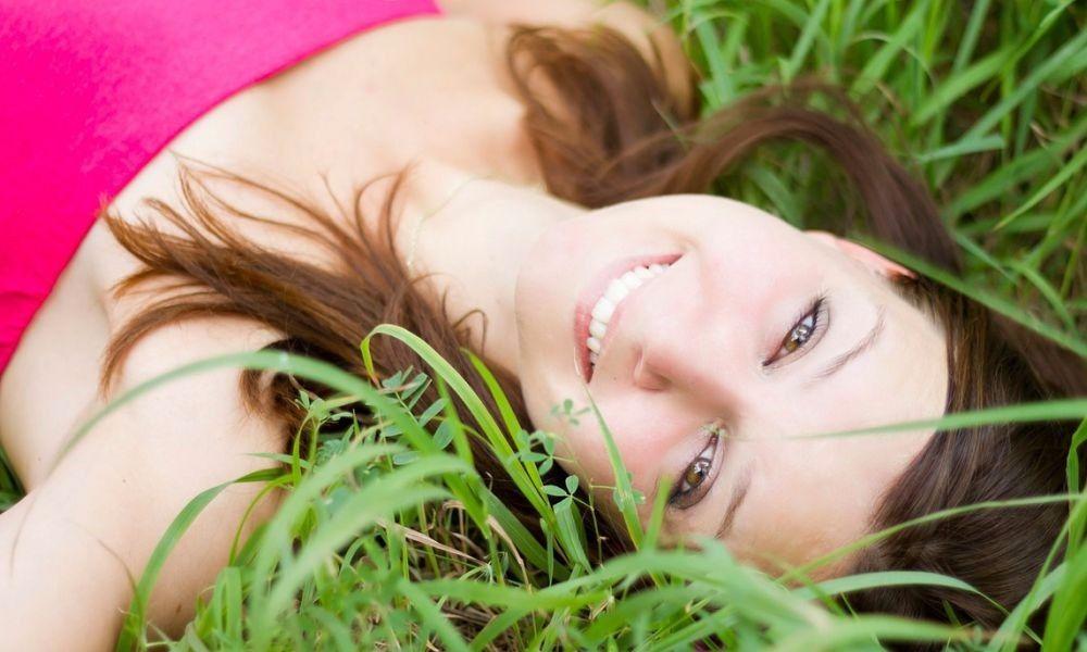 Pulizia del viso: come farla per avere una pelle bellissima! - http://www.beautydea.it/pulizia-del-viso/ - Prendersi cura della propria pelle con costanza e regolarità è fondamentale per avere un viso sempre al top. Scopri qui come fare!