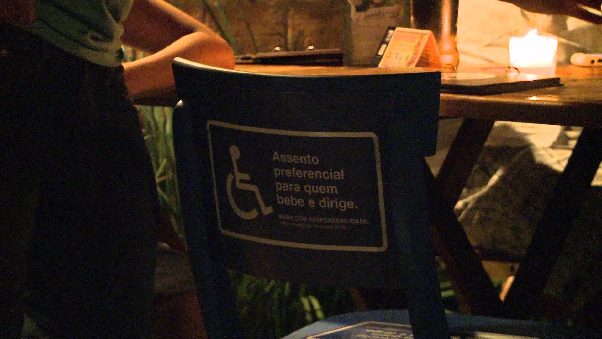 Cervejaria Ô Fiô - Cadeira de bar preferencial, via YouTube.