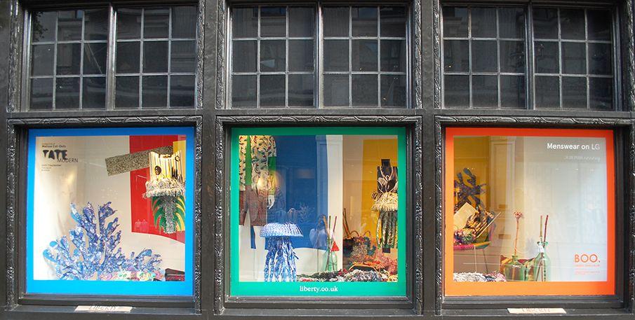 Pin Di Visual Merchandising Window Display
