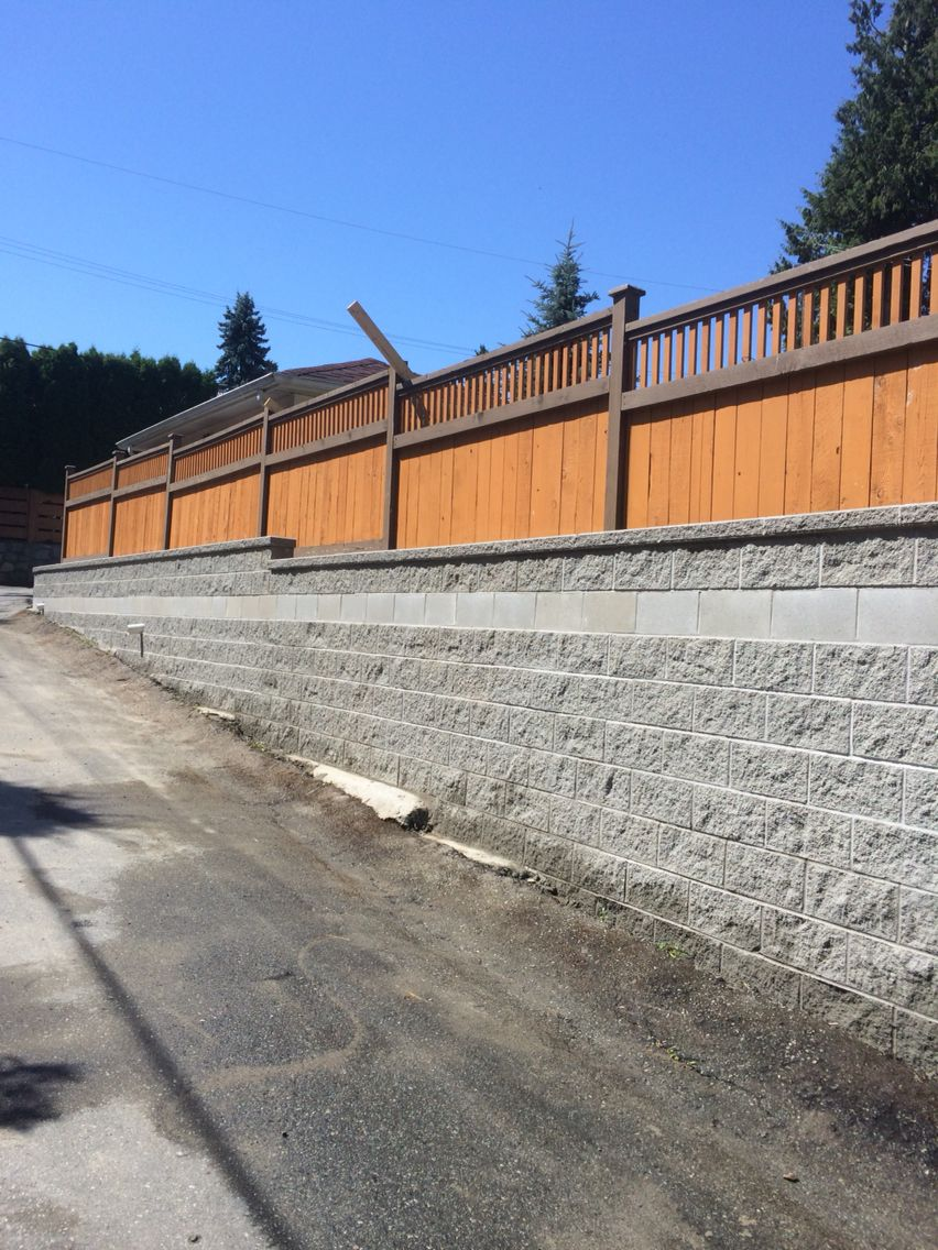 Concrete Block Retaining Wall By Dunbar Masonry Vancouver Bc Hardscape Concrete Block Retaining Wall Concrete Pavers