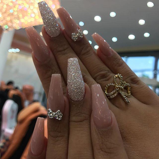 Rockstars Toplinenails Nailsbyjennifer Nailstyle Nailmob Hudabeauty Makeupartist Makeupforever Makeupslaves P Hollywood Nails Glam Nails Diamante Nails
