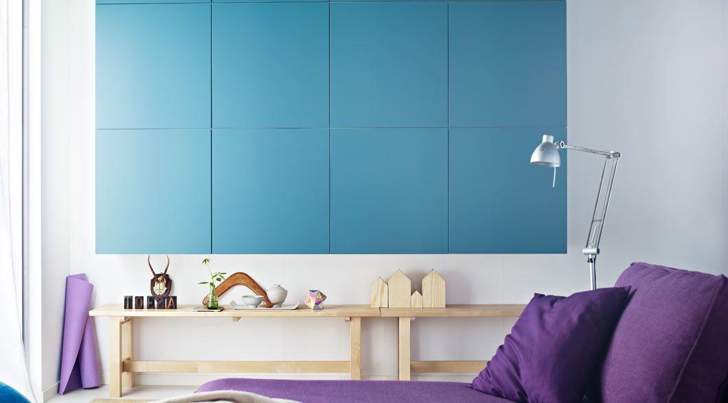 Grautürkise BESTÅ Aufbewahrungen Mit Türen An Einer Wand In Einem   Wohnzimmer  Ikea Besta