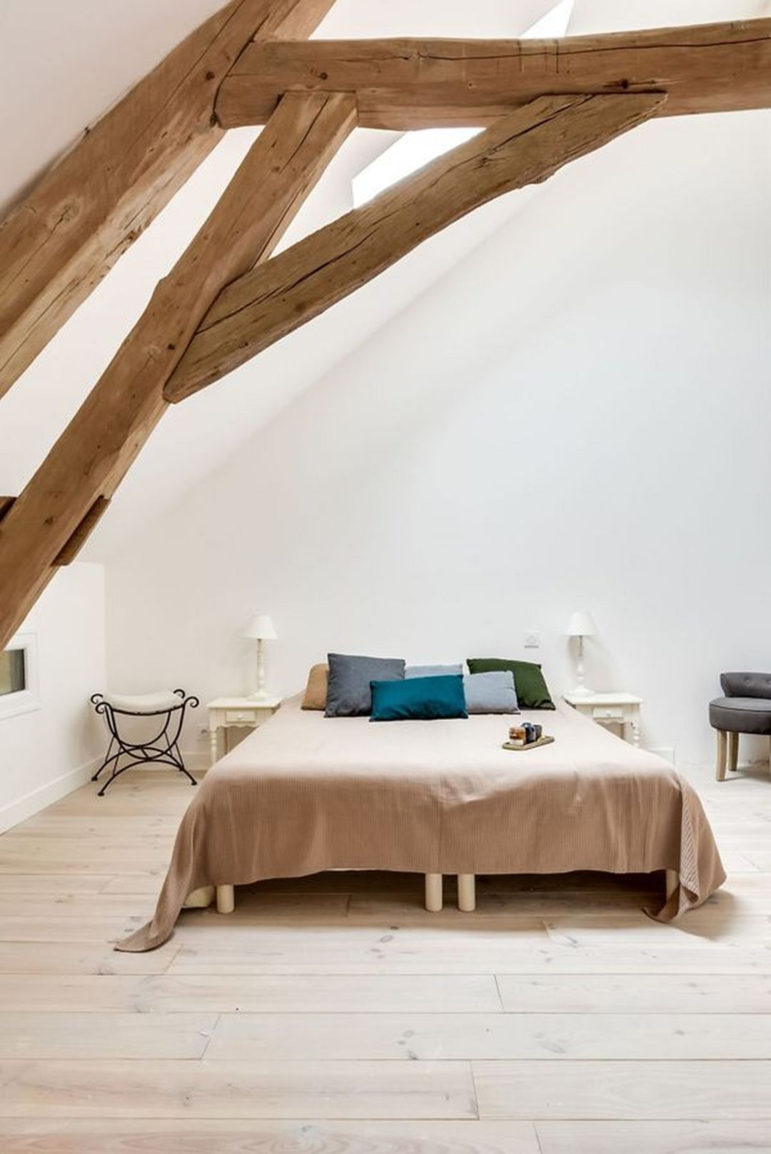 25 Modern French Country Farmhouse Master Bedroom