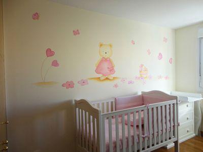 Murales de flores y corazones para decorar habitaci n de for Murales habitacion bebe