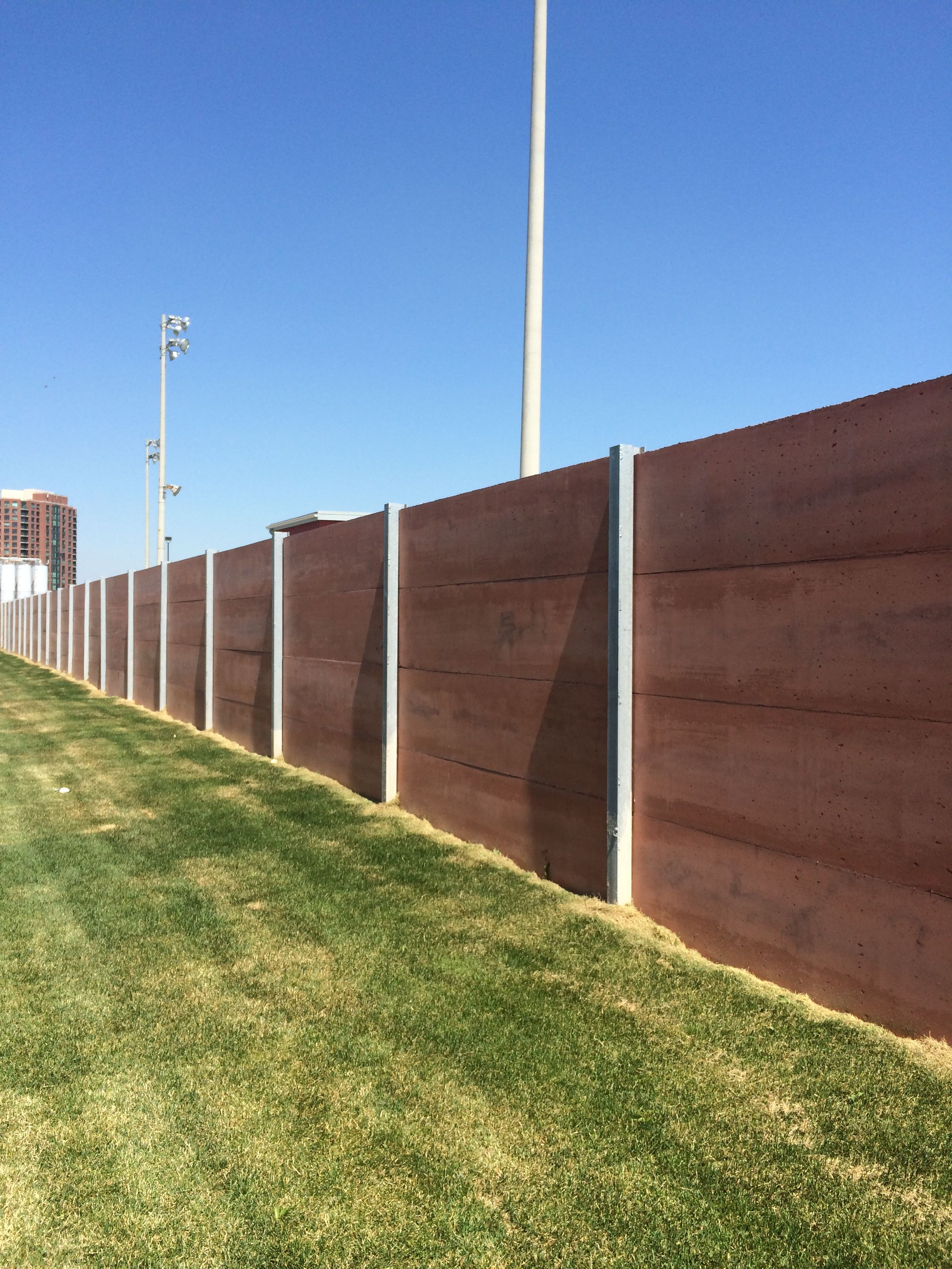 Concrete Fence With Steel Posts Colour With No Profile 10 Ft Spacing Economical Sound Wall Building A Fence Fence Design Front Yard