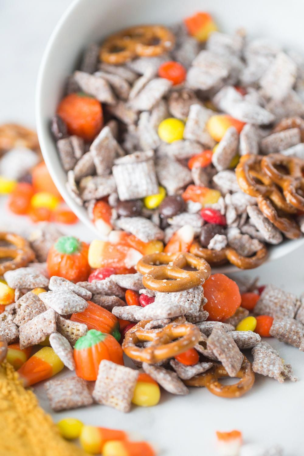 This Harvest Puppy chow is an easy fun fall treat! It ...