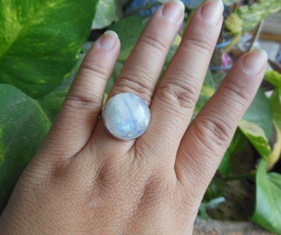 Natural Moonstone Ring - Round ring - Bezel ring - Cabochon ring - Gemstone ring - Twilight - Christmas gift idea