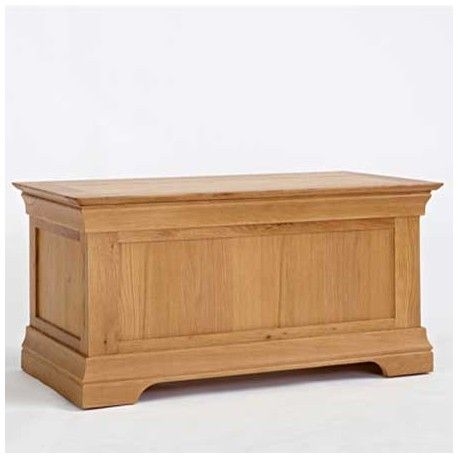 this oak blanket box toy box is made of solid oak this oak blanket box