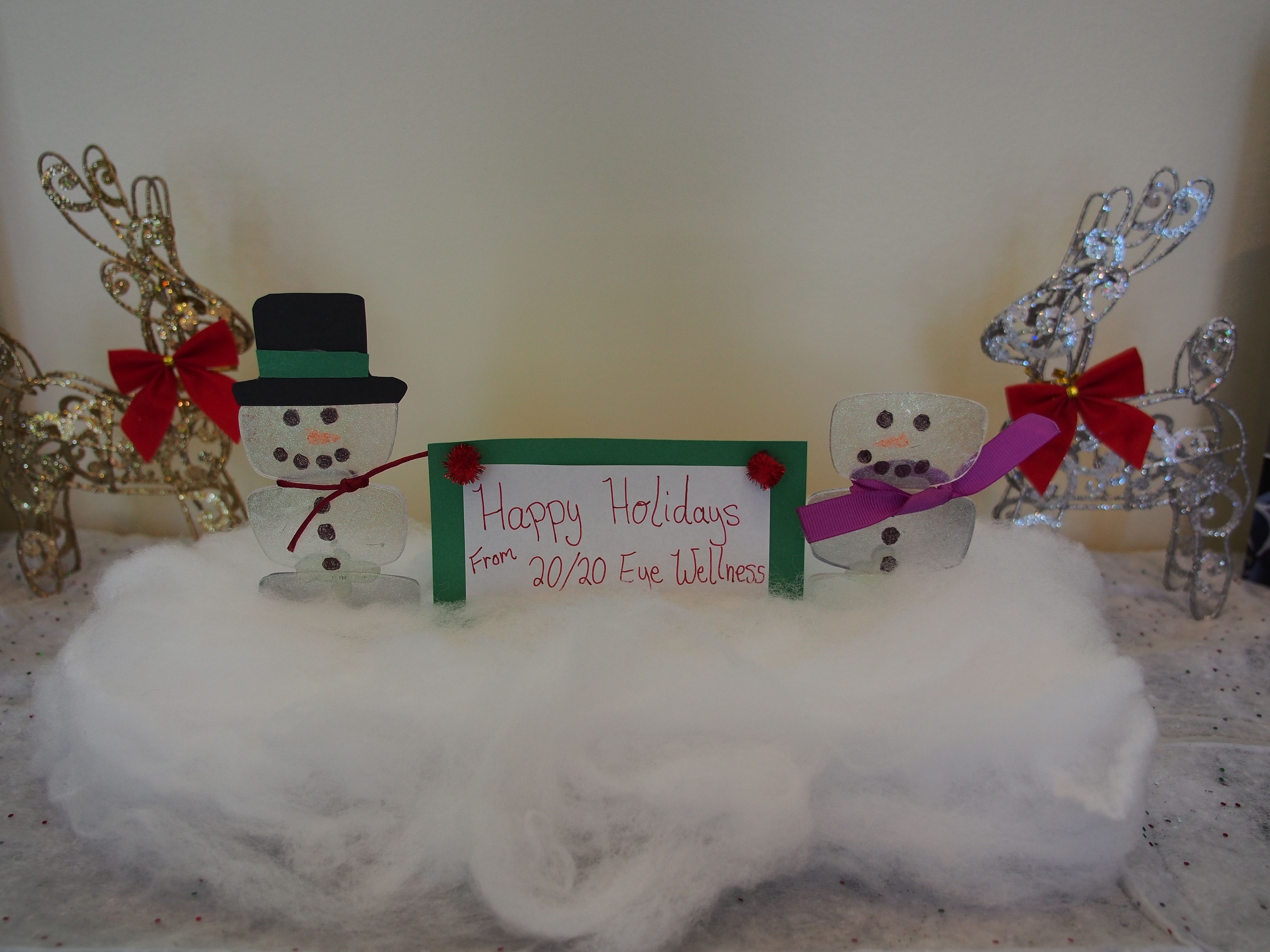 Snowmen Made From Old Eyeglass Lenses A Diy Holiday Craft Using Recycled Optical Lenses Perfect Decoration For Holiday Crafts Diy Holiday Crafts Diy Holiday