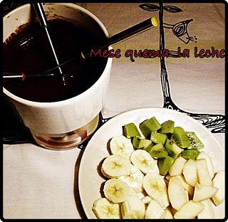 Fondue de chocolate y naranja mira la receta en http://mesequemalaleche.blogspot.com.es/2012/11/fondue-de-chocolate-negro-y-naranja.html