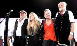 Fleetwood Mac April 4 2013 At Nationwide Arena With Images Fleetwood Mac Mick Fleetwood Fleetwood Mac Live
