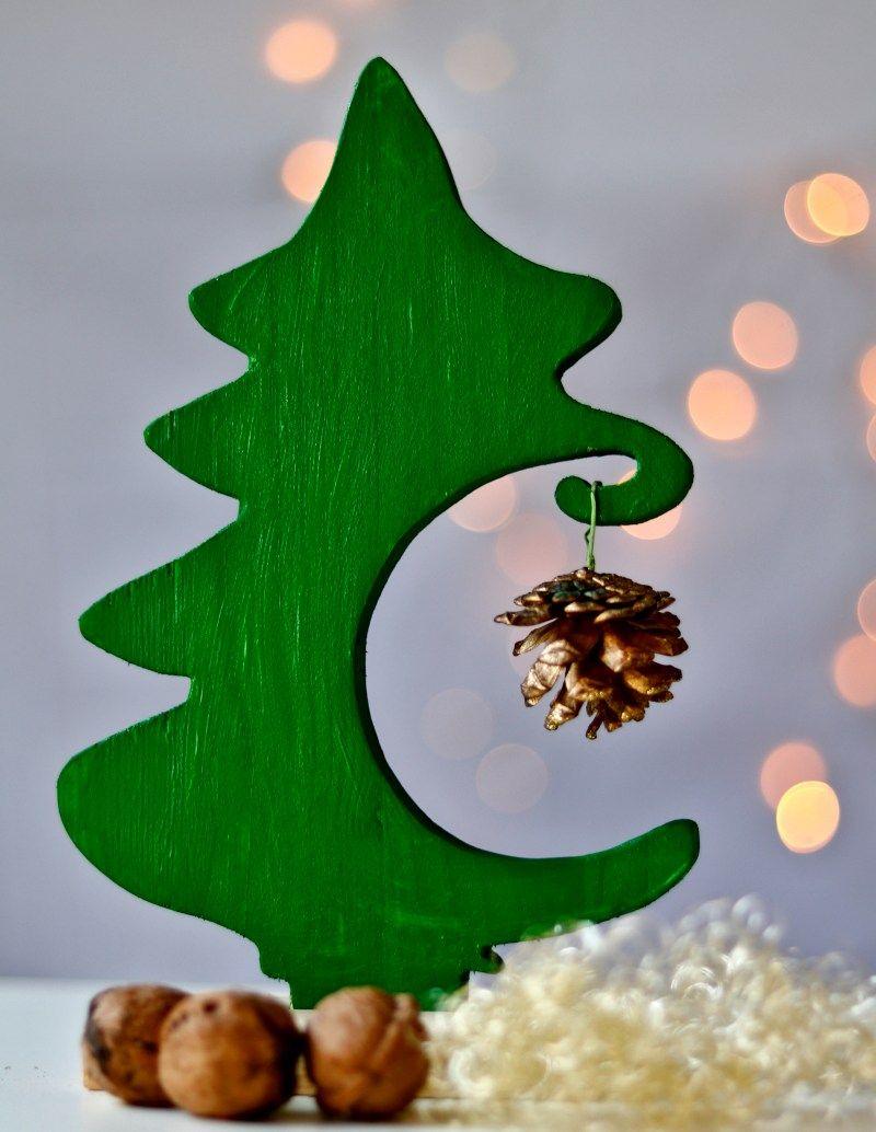 DIY - Weihnachtsdeko mit der Dekupiersäge aus Restholz basteln #weihnachtsdekobasteln