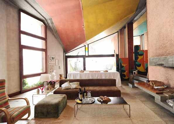 Bolzano casa scarpa viaggio nel design del novecento con for Case colorate interni
