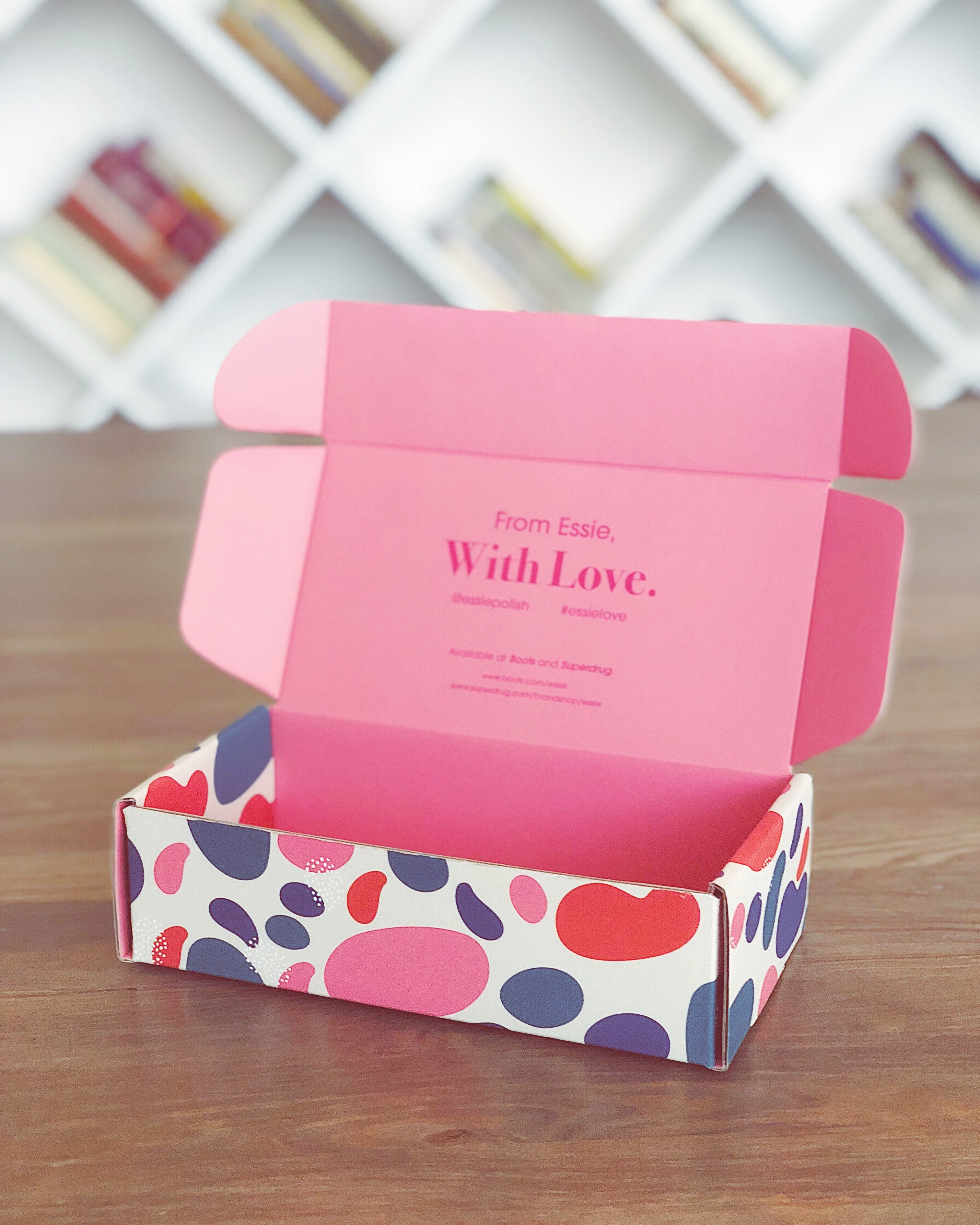 Make boxes - not war. This is a Double-Sided Mailer Box from Packhelp. Made from recycled-cardboard, they create an outstanding unboxing experience to steal your customer's hearts. Get yours today.  #packaging #art #boxes #cardboard #withlove #design #pink #artsy