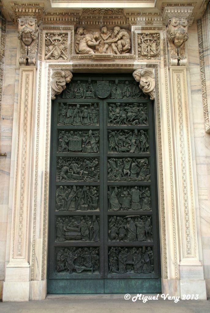 Puerta Duomo Catedral De Milan Piazza Duomo Portals Doors