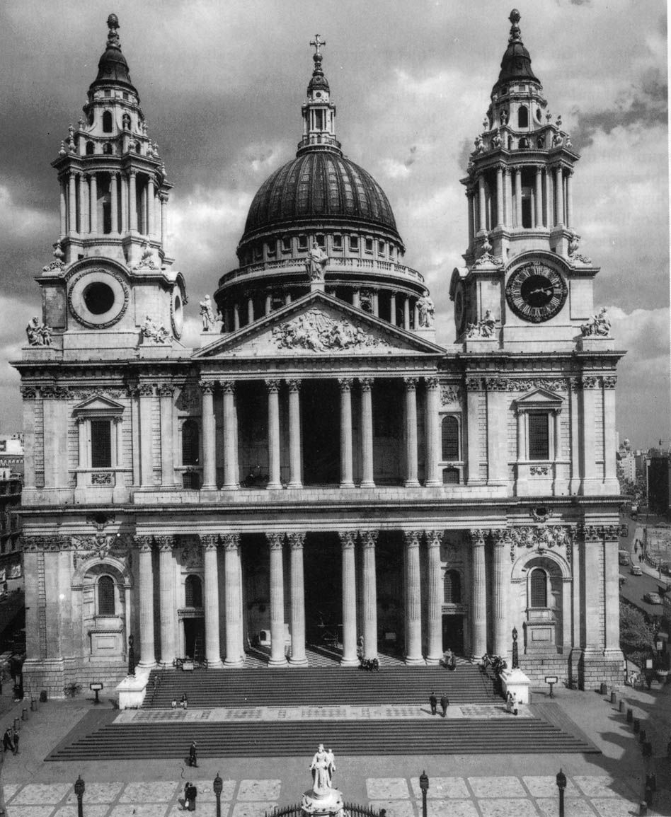 christopher wren's designs for st paul's Home / collection / explore the collection / designs and drawings by sir christopher wren for st paul's cathedral, the residentiaries' houses, and the deanery.
