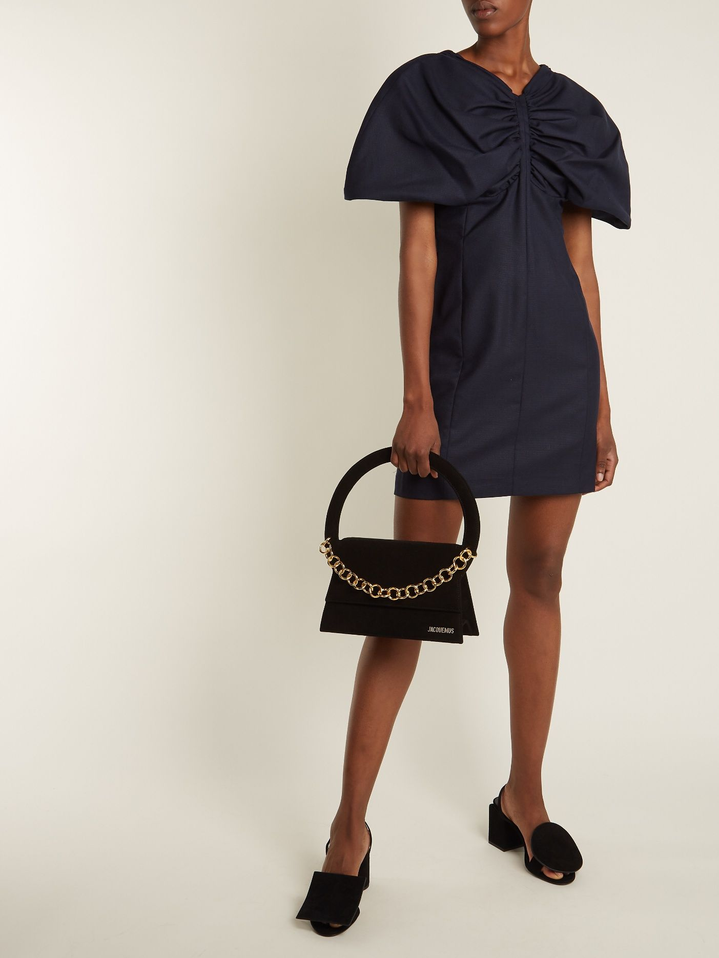c0f77ba729d4 Click here to buy Jacquemus Le Sac Rond suede shoulder bag at  MATCHESFASHION.COM