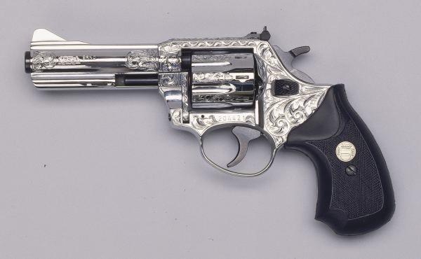 Beretta Revolver 22 Engraved 22 Lr 4 Revolver Chrome