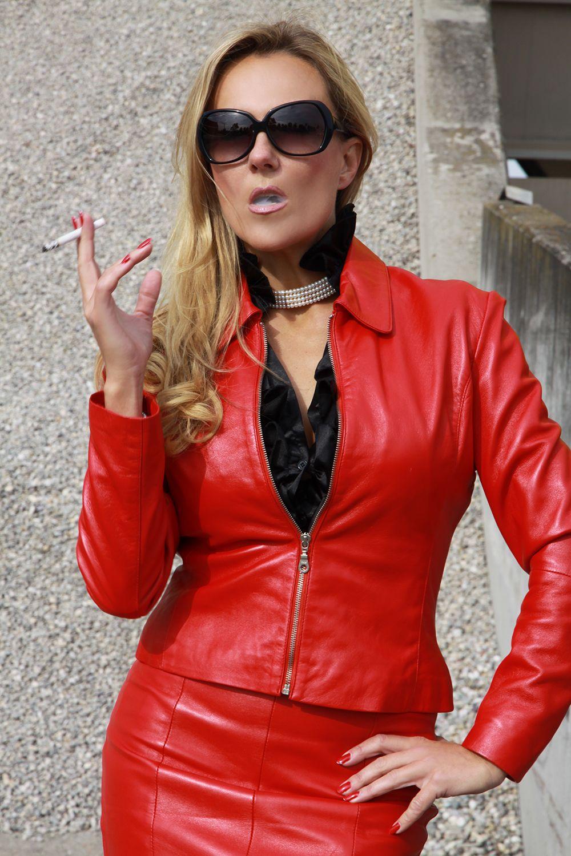 Lexi Belle Smoking Fetish