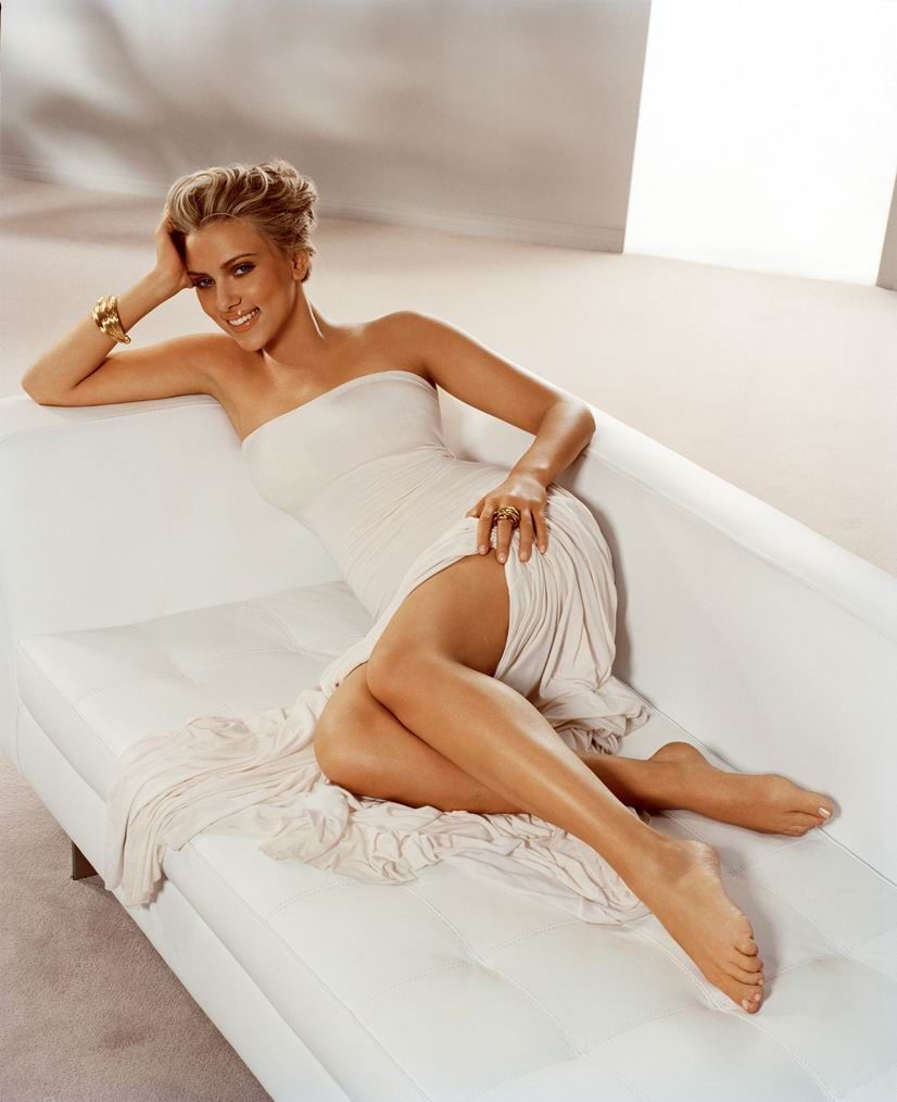 Scarlett Johansson Is Often Barefootin Movies And Photo Shoots I