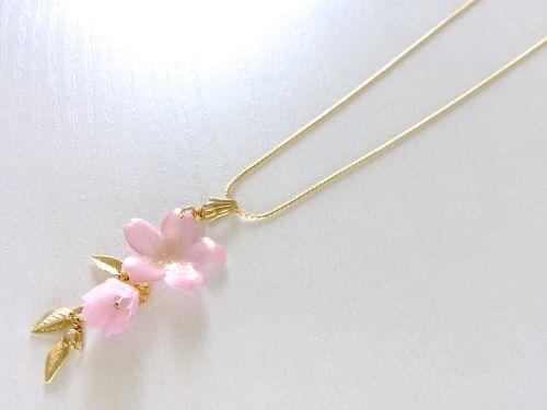 【季節限定】桜と蕾のネックレス | お花専門アクセサリーショップ pensée(パンセ)