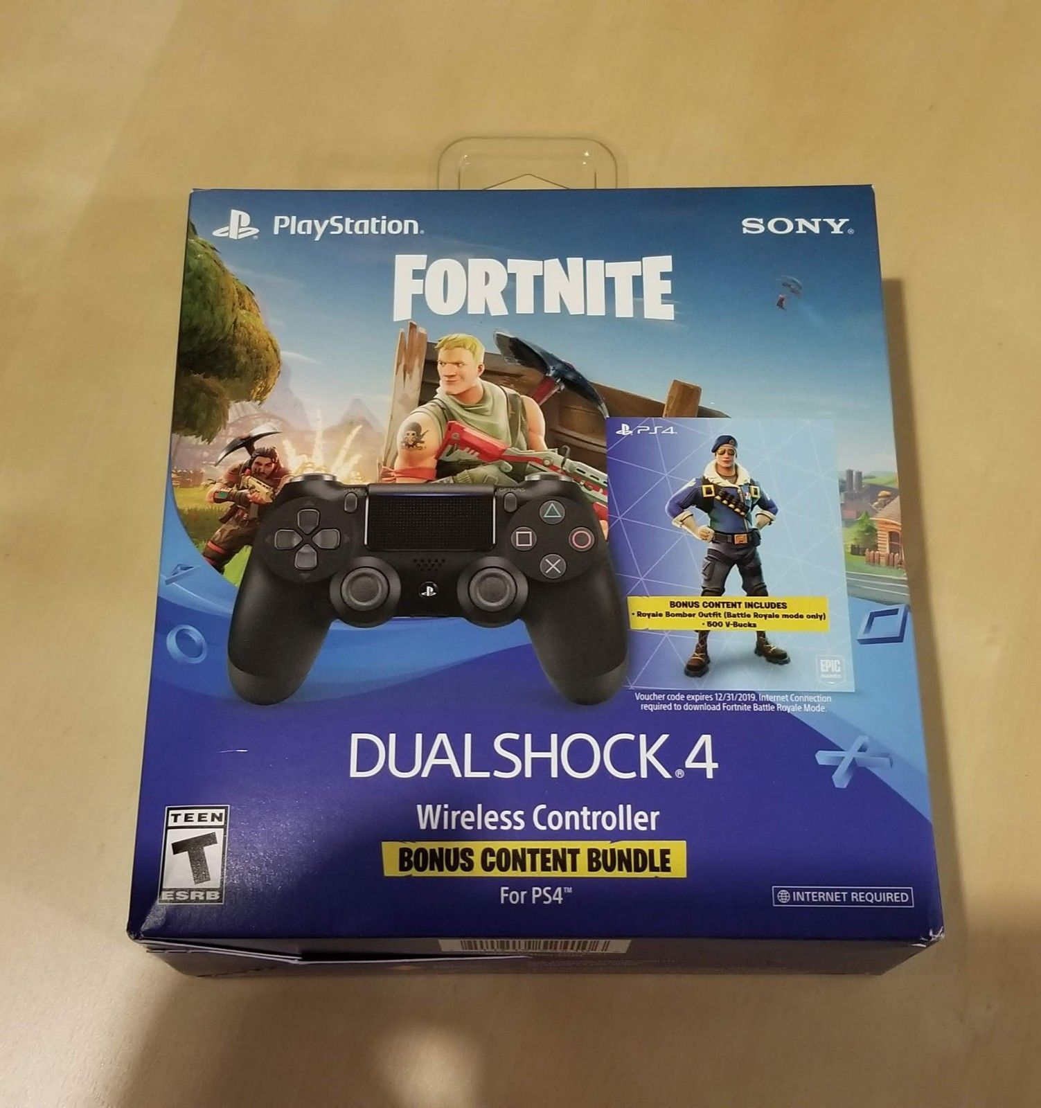 Ps4 Fortnite Royale Bomber Skin 500 V Bucks Dualshock 4 Controller