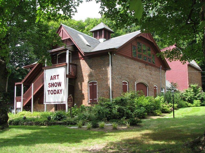 "Ridgewood Art Institute~""The Barn""."