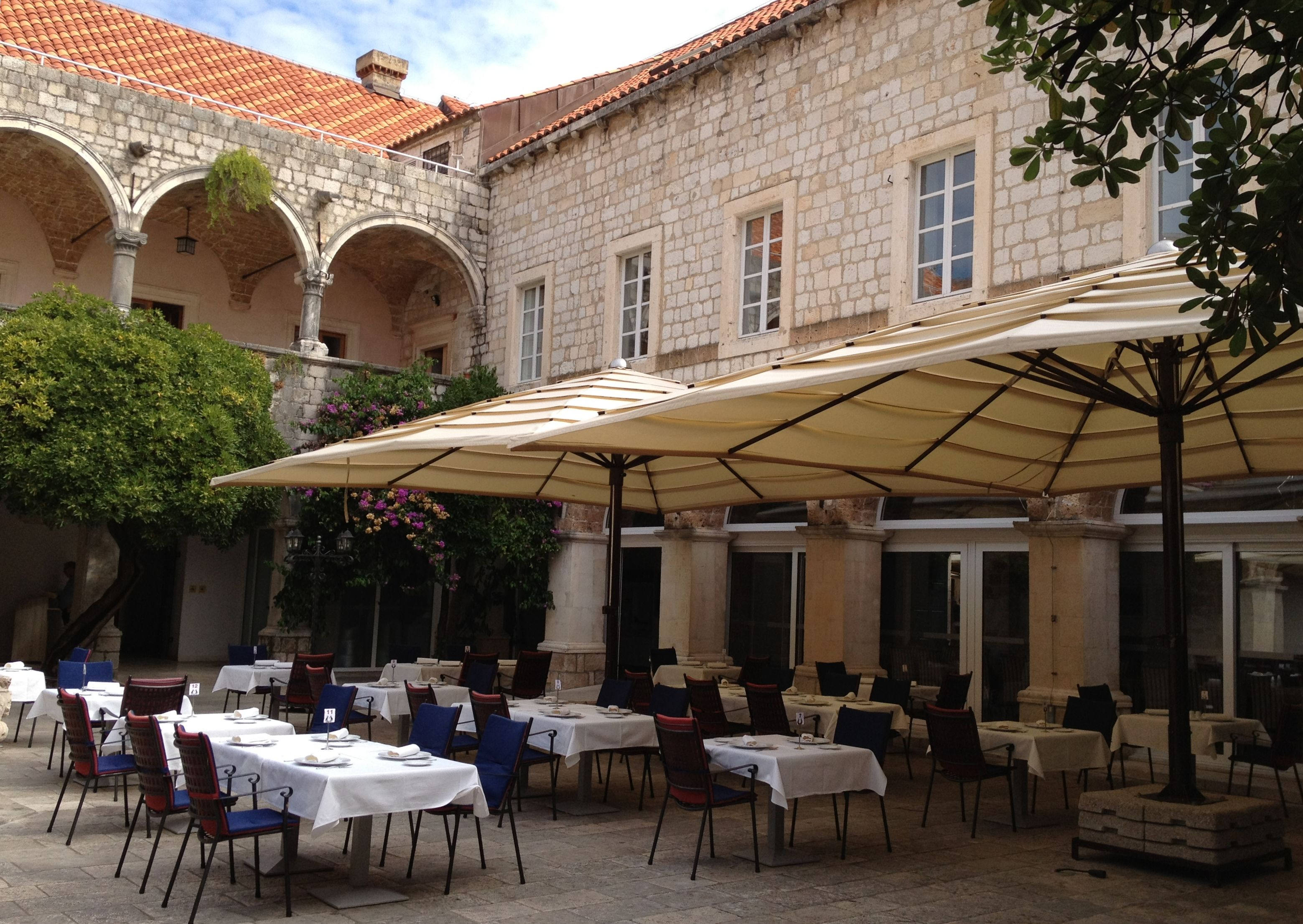 EdenGarden Presents Big Friend, The Giant Heavy Duty Patio Umbrella. Suited  For Outdoor Spaces