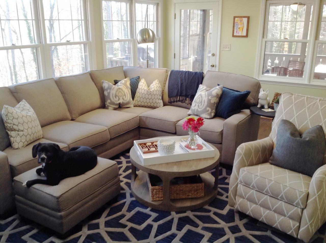 King hickory winston sectional and comfort design randolph for Comfort living furniture