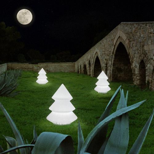 Sapins Lumineux Alba de chez Arkema Design. Jardinchic